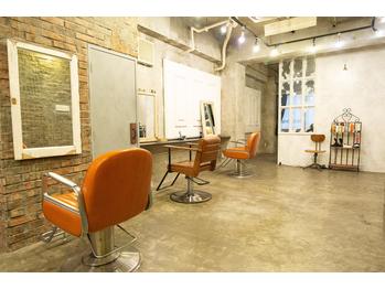 アーサス ヘアー デザイン 上野店(Ursus hair Design by HEAD LIGHT)(東京都台東区/美容室)