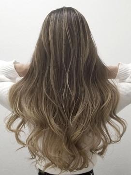 《AYE Hair》バレイヤージュ×ゆるカールロング