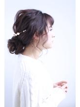 【四百倍スタイル】ふんわり大人可愛いパーティーアレンジ カチューシャ.29