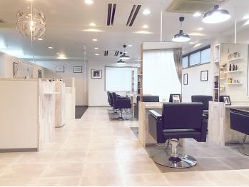 メンズ リルウ ヘアー ルッカ 難波店(Mens LILOU hair rucca)(大阪府大阪市中央区)