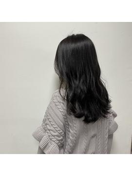 レイヤーカット+透明感オリーブカラー《 福島沙季 》