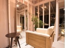 【半個室なのに開放感溢れる!!】席は一室に一席のみの、リラックスできる贅沢な空間☆