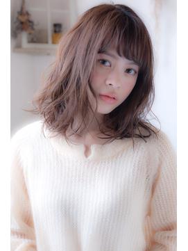 【elfo】前髪ありのミディアムパーマは男女ウケUPのモテヘアです