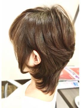★くびれ美シルエット★毛流れ美人のナチュラルパーマウルフ