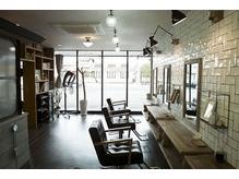 NY SOHOをイメージした店内は細部の雑貨までこだわった上質空間!