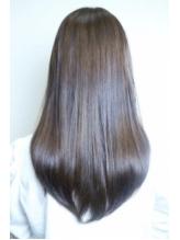 【ケラスターゼ取扱い認定サロン♪】髪の悩みをもつ大人女性にこそ使ってほしい!驚きの質感へと導きます♪