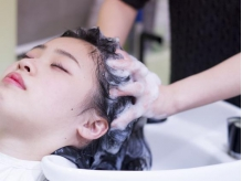 美しい髪を保つ為には、根元からのしっかりケアを・・・極上ヘッドスパで現在も未来も美しく◎