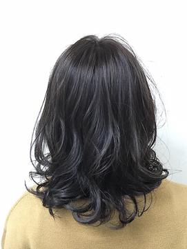 黒髪 Sweet ウェーブミディ byAKI  【LUXBE梅田茶屋町店】