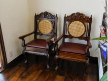 ブラウンを基調にした家具の数々…♪