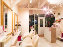【遠州病院駅スグ】海外ドラマ風の小部屋をイメージした店内