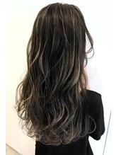 暗髪ハイライトヘアカラー.0