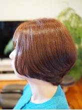 あなたの理想を実現!究極カットで髪本来の輝きを取り戻し、スタイリング剤なしでも上質なまとまりを可能に