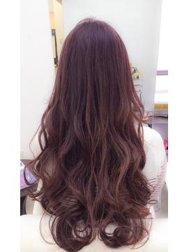 髪の艶と肌艶感もアップ出来るピンクブラウンヘアカラー☆