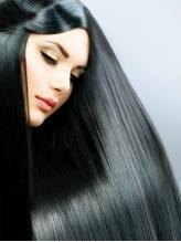 お悩みのクセ毛が、扱いやすさ抜群の万能ヘアに!常識を覆すノンアイロン施術!巻き髪も楽しめちゃう♪