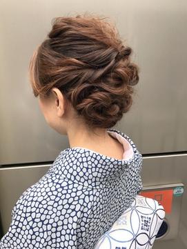 《New-Line 代表YUTAKA》和装カールヘアアレンジ