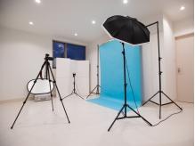 二階には、撮影専用のスタジオも完備しております。