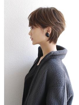 シルエットが綺麗なクールショート【SHE DAIKANYAMA】丸岡奈央