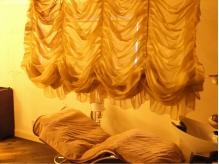 天蓋カーテン付ヘッドSPAコーナー。くつろぎの半個室空間に。