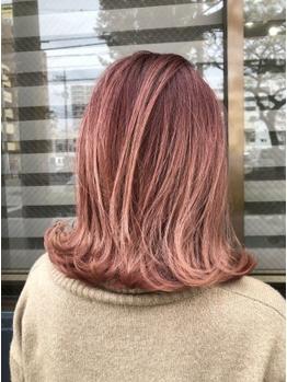 上質なトリートメントで髪の内側から補修。ダメージを気にされている方必見!