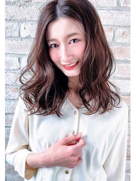 かわいい大人女子のためにオシャレなセミロング・神戸美容室