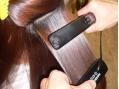 髪の補修の原点は、髪を傷めずに加工すること。それを実現するノンアルカリシリーズ処方+毛髪科学。