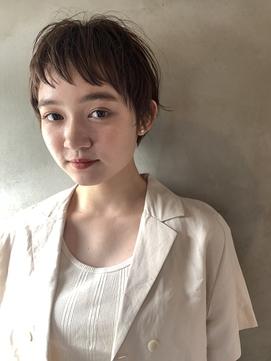 『真通知弘』シアーベージュ×カジュアルショート