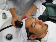 炭酸を使ったヘッドスパで頭皮の汚れや臭いを取り除きます!