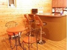 カフェのような空間。待ち時間はこちらでくつろいで♪