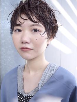 40代大人女性にぴったりな美容院の特徴 ヒアカアヴェダ 天神VIORO (Heaka AVEDA)