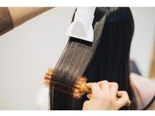 専門店だからこそのブローテクニックで、髪をサラツヤに☆