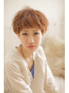 【Lee Vita】 前髪&顔周りで小顔にみせる束感ショートヘア☆
