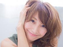 [大人女性×ナチュラルな明るいグレイカラー]頭皮と髪に良いこだわりの薬剤を使用♪艶のある美しい髪へ