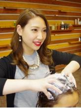 髪・頭皮の悩みに合わせたオーダーメイドの[シャンプー/ブロー 30分/1944円]はリピート率80%の人気MENU☆