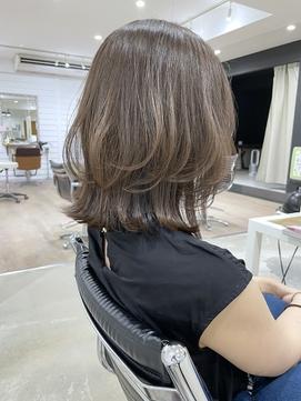 【DISHEL】ブラウンベージュ透明感カラー レイヤースタイル