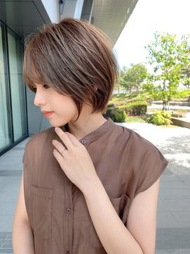 【ロンドジュルード東】シャープな毛束が小顔にレイヤーショート