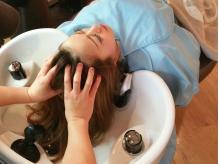 思わずうたた寝する程の極上マッサージ!!血行促進&保湿で頭皮の環境を整え、髪の本来の健康な美髪へ★