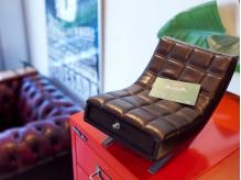ミニチュアの椅子です