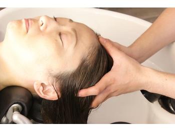 心も体も癒される極上ヘッドスパ【頭皮と髪のエイジング】リラクゼーション効果も◎至福のサロンタイムを…