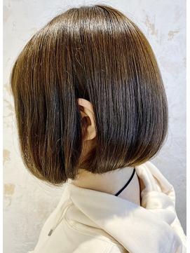 髪質改善艶カラーシルクベージュボブ Zina 出口