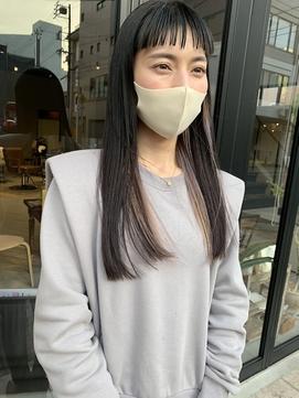 担当西田 ツヤ髪ロング ワイドバング インナーカラー