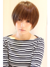 メルトカラー 黒髪アッシュ ひし形ショートボブ 内巻き.54