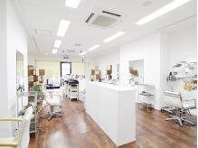 美容室 リスタイルフィフティーンプラス 交野店(Re Style15+)の詳細を見る