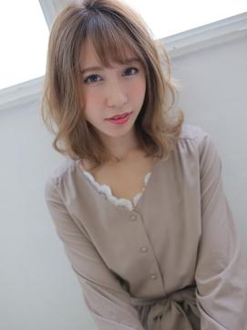 デザインカラーで透け感◎フェミニンスタイル☆