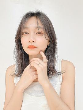 【佐藤 真希】小顔 長め前髪 ニュアンス ミディアムボブヘア