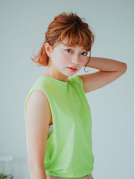 【夏にピッタリ】元気なオレンジカラーのクセ毛風ボブスタイル♪