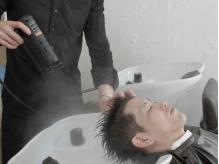 メンズにオススメ!極上マッサージで毛穴の汚れをスッキリと洗い流し、トリートメント効果で健康的な髪に☆