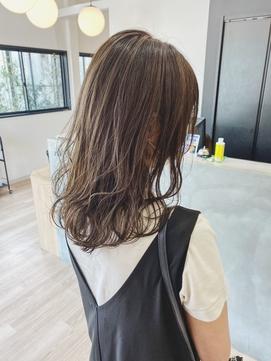 モテ髪パーマ×ミルクティーベージュ×カジュアルレイヤー