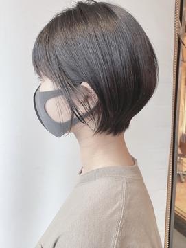 【morio 原宿】黒髪ショートボブ 耳かけ チャコールグレー