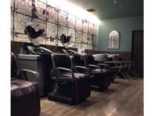 アース 二俣川店(HAIR&MAKE EARTH)の店内画像