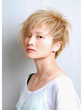 アシメントリー夏金髪ショート